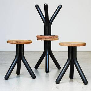 sgabello design minimalista / in legno di latifoglie / in metallo / in materiale di recupero