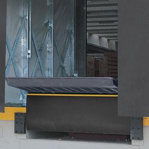 rampa d'accesso in acciaio galvanizzato