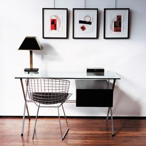 scrivania minimalista
