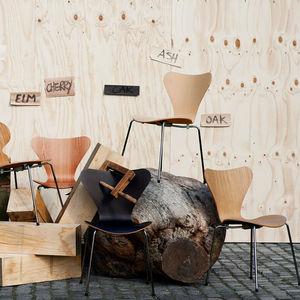 sedia design scandinavo / imbottita / con braccioli / impilabile