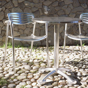 sedia moderna / impilabile / con braccioli / con certificazione Greenguard®