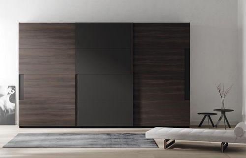 armadio moderno / in legno / a porte scorrevoli