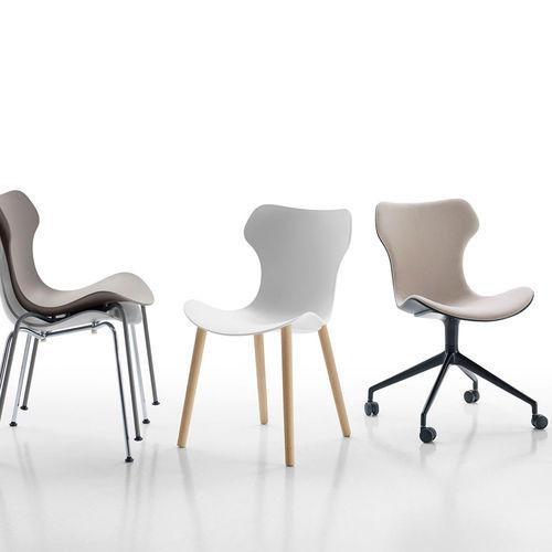 sedia moderna / con rotelle / impilabile / imbottita
