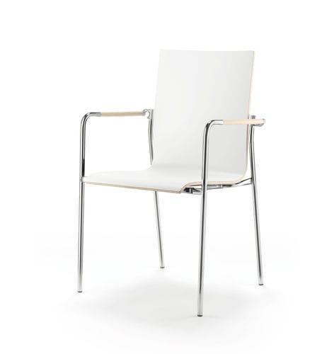 sedia moderna / con braccioli / impiallacciata in legno / per uso contract