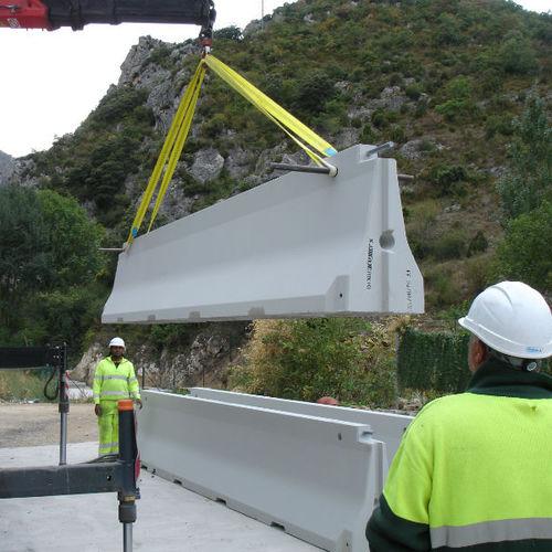 guard-rail in calcestruzzo / per strada