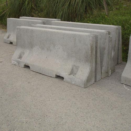 guard-rail in calcestruzzo / per strada / New Jersey