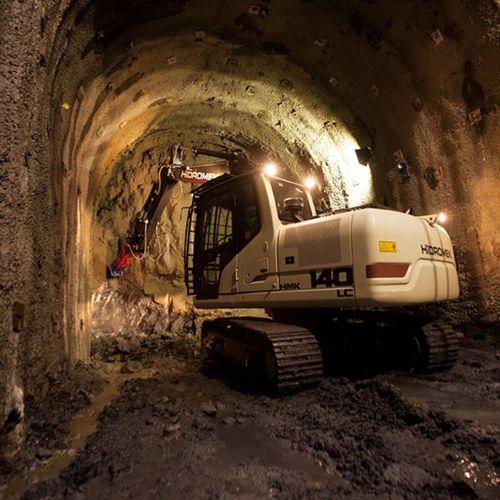 escavatore cingolato / compatto / a basso consumo di carburante / ergonomico