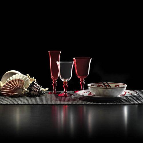 bicchiere da vino / a calice / in vetro soffiato / contract