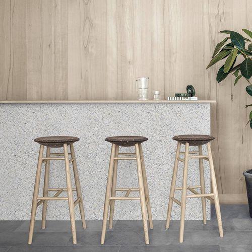 sgabello da bar design scandinavo