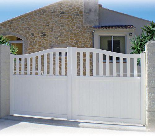 cancello battente / scorrevole / in alluminio termolaccato / a lamelle