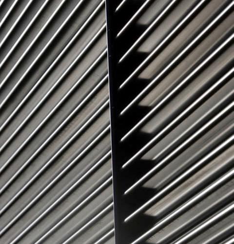 rivestimento di facciata a doghe / in acciaio inossidabile / in acciaio galvanizzato / in zinco-alluminio