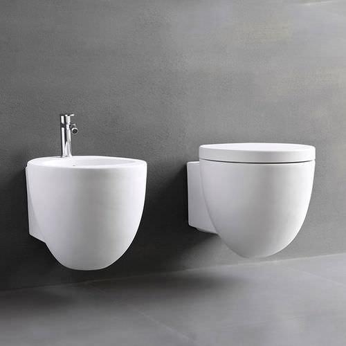 WC sospeso / in ceramica
