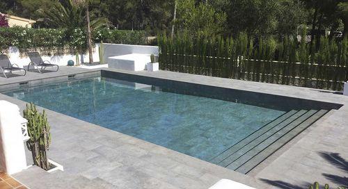 piscina con scala / interrata / in gres porcellanato / contract