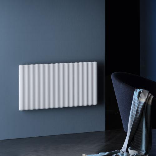 radiatore ad acqua calda / in metallo / moderno / tubolare