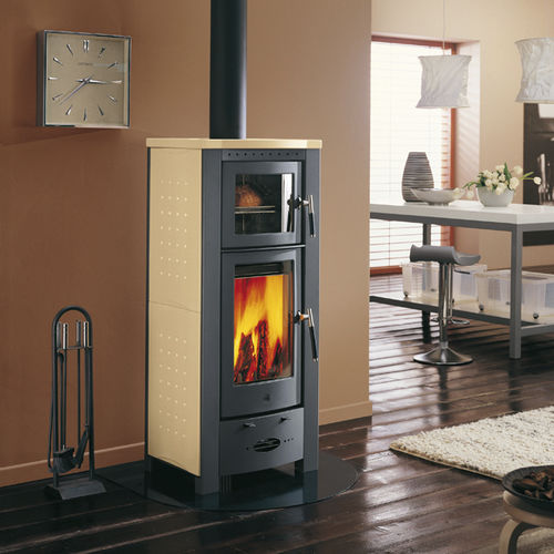 stufa a legna / in acciaio inox / in maiolica / tradizionale