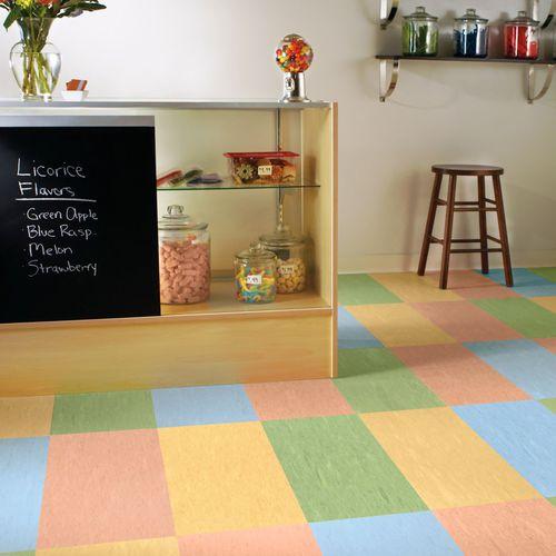 pavimento in vinile / per interni / certificato FloorScore® / a bassa emissione di COV