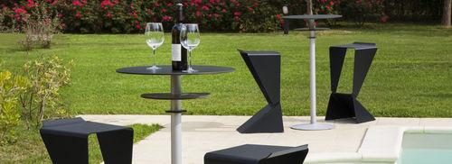 sgabello da bar design minimalista / in alluminio / in materiale riciclato / per uso contract