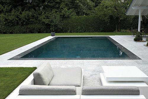 piscina interrata / in calcestruzzo / a specchio / da esterno