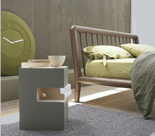 comodino moderno / in legno laccato / in pino / quadrato