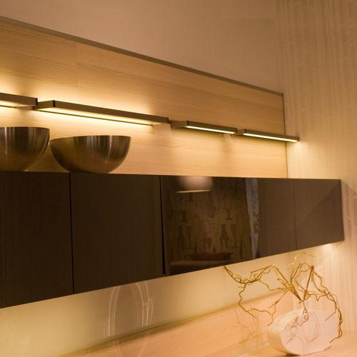 illuminazione per scaffali LED