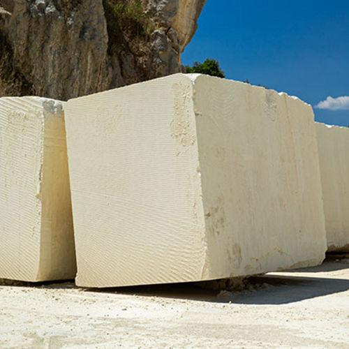 blocco in pietra