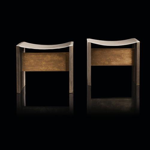 sgabello moderno / in legno massiccio / in pelle / in ottone