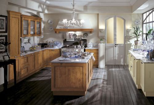 cucina classica / in legno massiccio / in legno / con impugnature