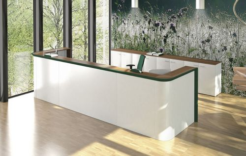 banco reception in laminato