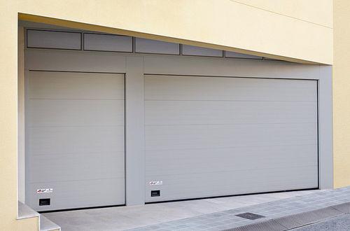 porta sezionale per garage / in acciaio galvanizzato / automatica