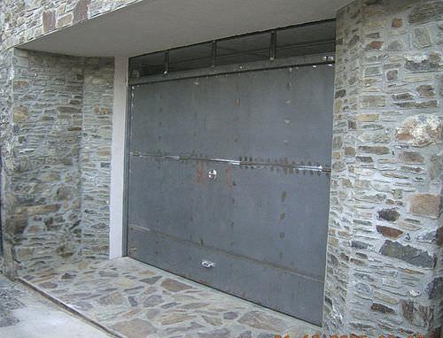 porta basculante per garage / in lamiera d'acciaio / automatica