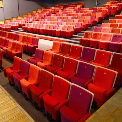 poltrona per auditorium per teatro / moderna / in tessuto / in legno
