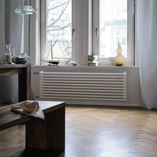 radiatore ad acqua calda / in acciaio / moderno / tubolare