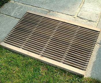 griglia di drenaggio per spazi pubblici