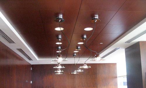 controsoffitto in legno / a quadrotte / con altoparlante