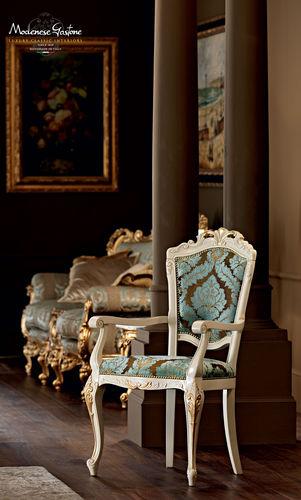 sedia in stile / imbottita / con braccioli / in legno