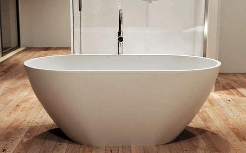 vasca da bagno ad isola / ovale / in resina / in quarzo