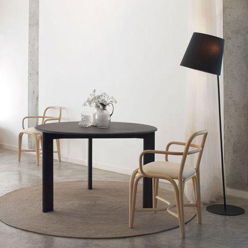 tavolo moderno / in quercia / in legno massiccio / tondo