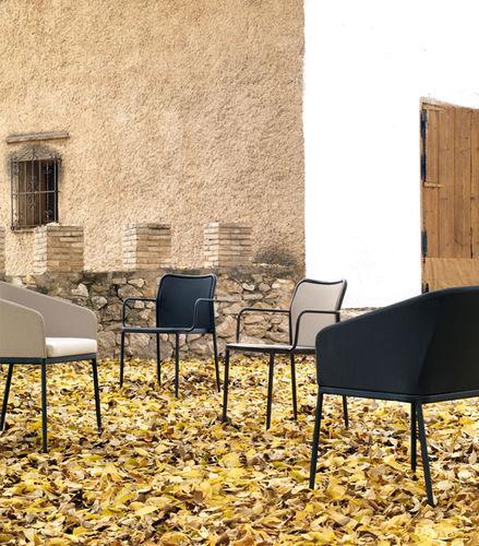 sedia moderna / imbottita / con braccioli / in Batyline®