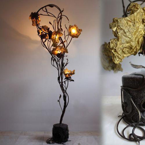 lampada da pavimento / design originale / in ferro modellato / fatta a mano