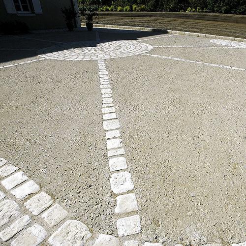 pavimento in calcestruzzo / per strada / residenziale / per spazio pubblico