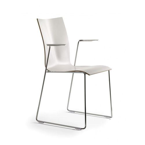 sedia visitatore moderna / con braccioli / impilabile / a slitta