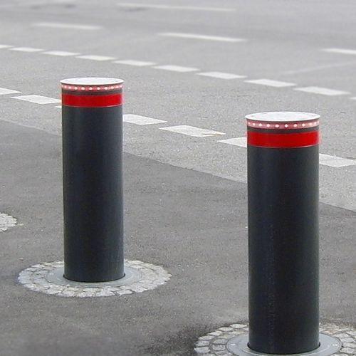 colonna di protezione / in acciaio galvanizzato / idraulica / luminosa