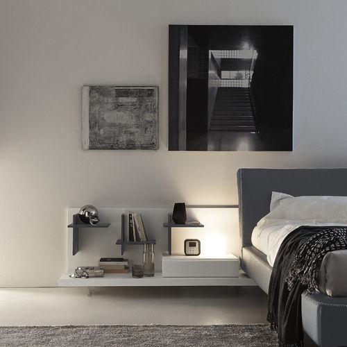 comodino moderno / in legno laccato / in legno laccato brillante / rettangolare