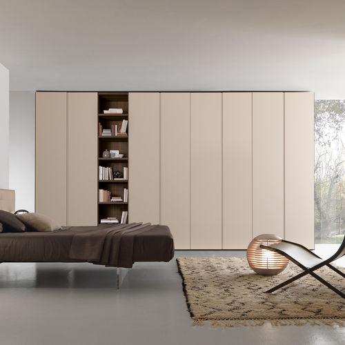 armadio moderno / in legno laccato opaco / con ante battenti / con libreria