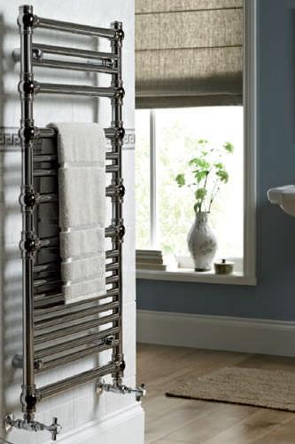 scaldasalviette ad acqua calda / in metallo / classico / verticale