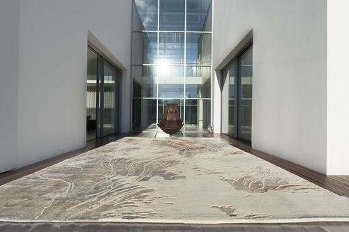 tappeto moderno / a motivi / in lana / in seta vegetale