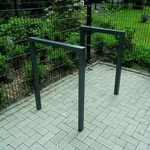 poggia-biciclette a pavimento / in acciaio / per spazio pubblico