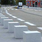colonna di protezione / antiparcheggio / in calcestruzzo / fissa