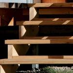 scala dritta / con struttura in legno / con gradini in legno / senza alzata