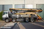 pompa per calcestruzzo mobile / montata su camion